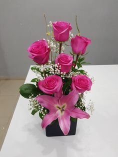 Valentine Flower Arrangements, Flower Arrangement Designs, Church Flower Arrangements, Rose Arrangements, Beautiful Flower Arrangements, Flower Centerpieces, Flower Designs, Beautiful Rose Flowers, Exotic Flowers