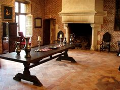 Tour the homes of Leonardo da Vinci in Tuscany and the Loire Valley of France.