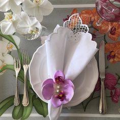 Bom dia! Tenho paixão pela minha bandeja francesa Beauvillé da Matisse Casa.  #home #mybreakfast #bandeja #latabledegiselle