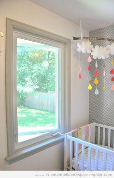 Regalos hechos a mano para bebés, móvil de fieltro para la cuna