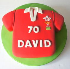 #welsh #rugby #shirt Red velvet cake with lemon frosting from www.byjojo.co.uk