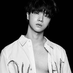 Not my bias wrecker, but he's two steps away! Ikon Member, Kim Jinhwan, Jay Song, Ikon Debut, Best Kpop, Cute Korean Boys, My Wife Is, Korean Bands, Yg Entertainment