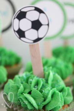 cupcake-topper football