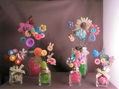 Easter Series Button bouquets I made. Button Crafts For Kids, Easter Crafts For Kids, Summer Crafts, Button Bouquet, Button Flowers, Spool Crafts, Easter Bunny Eggs, Chocolate Bunny, Button Art
