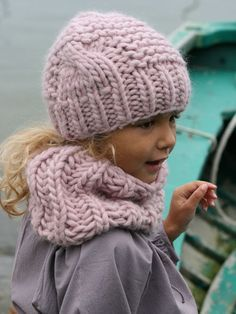 "Image Of Kit Tricot Bonnet ""Sacha"" & Col - Diy Crafts - maallure Knitted Hats Kids, Crochet Baby Hats, Knitting For Kids, Crochet For Kids, Loom Knitting, Baby Knitting, Knit Crochet, Creative Knitting, Diy Scarf"