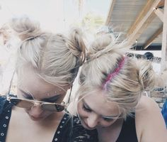Glitter Roots Hair Trend - Music Festival Hairstyles