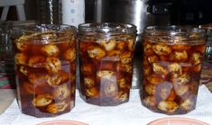 Ingrediente -5-6 kg de nuci verzi -1.5 l de apă -2 kg de zahăr Notă: Vezi Măsurarea ingredientelor Mod de preparare 1. Pregătiți ingredientele necesare. Dacă ați hotărât să culegeți Chicken Wings, Salsa, Mason Jars, Food And Drink, Gem, Cincinnati, Tarts, Canning, Salsa Music