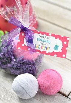 This Simple Bath Bomb Birthday Gift Is Super Easy To Put Together And Sure