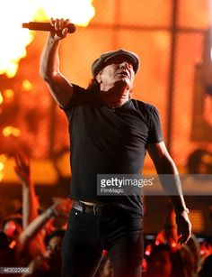 News Photo : Singer Brian Johnson of AC/DC performs onstage...