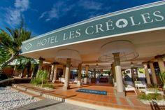 Les Créoles - Situé au cœur de la station balnéaire de l'Ermitage, à 10 min du port de Saint-Gilles-les Bains, des bars, des night clubs, du casino et du Mail de Rodrigues qui regroupent une vingtaine de commerçants.