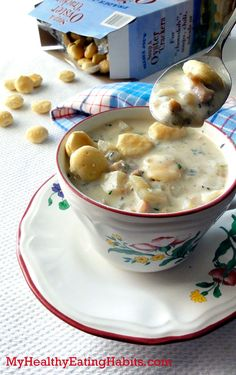 """Slow Cooker Skinny Clam Chowder (not too inventive of a """"skinny"""" recipe - it's just regular clam chowder, but with fat free cream and milk.)"""