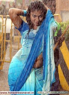 Nayanthara hot and Wet in Saree and Hot with Simbu South Indian Actress Hot, South Actress, Hot Actresses, Beautiful Actresses, Indian Actresses, Arabian Beauty Women, Actress Navel, Saree Navel, Bollywood Actress Hot Photos
