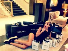 Miley Cyrus shares Chanel shopping trip photo