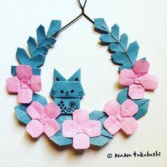 小さいウサギと小さいお花のリース。 A mini rabbit and mini flowers wreath. #origami #papercraft #paperflower #wreath #garland #rabbit #walldecor #おりがみ #折り紙 #お花 #リース #ガーランド #ペーパーフラワー #ペーパークラフト #うさぎ #こうさぎ (Ikoma, Nara)