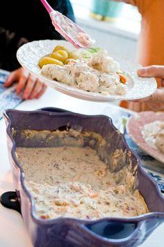 Skagenfisk - 56kilo.se - Recept, inspiration och livets goda Easy Chicken Recipes, Fish Recipes, Seafood Recipes, Snack Recipes, Cooking Recipes, Drink Recipes, Snacks, Coconut Milk Recipes, Scandinavian Food