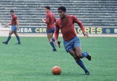Eusebio, la pantera negra. Brutal jugador y goleador.