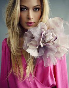 Mylene's Amazing World W/ Blonde & Brunette Beauty– Сообщество– Google+