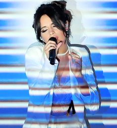 Camila Cabello performs onstage at Nickelodeon's 2017 Kids' Choice Awards at USC Galen Center on March 2017 in Los Angeles, California. Kids Choice Awards 2017, Fith Harmony, Just Beauty, Attractive People, Girls Dpz, Celebs, Celebrities, Beautiful Smile, Moda Masculina