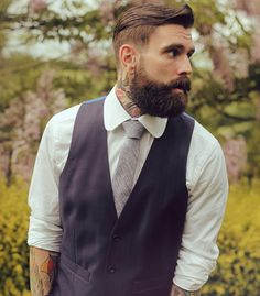 Clean short sides, rough beard - perfect combination. #men #suit www.murdocklondon.com