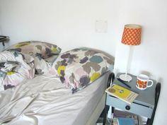 un chevet chiné Furniture, Home Decor, Tela, Paper, House, Decoration Home, Room Decor, Home Furniture, Interior Design