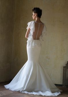 MEET LOVE » Wedding Dresses » Love Story 2013 Collection » Bien Savvy (back)