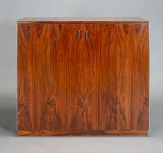 Harvey #Probber #Rosewood Gentleman's Cabinet. Estimate: $1,000/1,200 #midcenturymodern #20thcenturydesign #michaans http://www.michaans.com/highlights/2013/highlights_07062013.php
