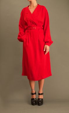 Vintage Red Robe Manteau https://www.etsy.com/listing/252041311/vintage-red-robe-manteau #vintage #dress #red #fashion #clothing #style #leloopas