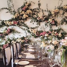 By zinnia floral design. I absolutely adore this - a really original style of flower wall. Perfect event design for a spring or summer wedding with rambling, natural foliage and gorgeous garden blooms xx