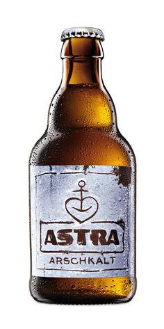 Packaging / Carlsberg Group - Endlich wird's wieder Arschkalt: der limitierte Verkaufsknaller von Astra ist zurück.