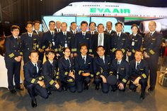 Hãng EVA Air có tốt không Air Vietnam, Original Travel, Van, People, Vans, People Illustration