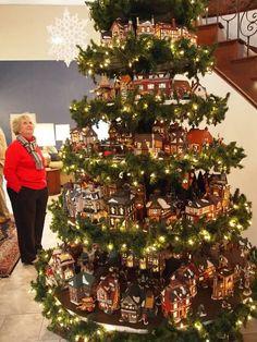 Resultado de imagem para Christmas Village Displays