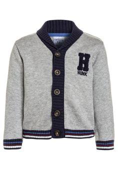 ¡Consigue este tipo de chaqueta de punto de Carter's ahora! Haz clic para ver los detalles. Envíos gratis a toda España. Carter's HUNK JACKET BABY Chaqueta de punto heather: Carter's HUNK JACKET BABY Chaqueta de punto heather Ropa   | Material exterior: 100% algodón | Ropa ¡Haz tu pedido   y disfruta de gastos de enví-o gratuitos! (chaqueta de punto, lana, wool-blend, tweed, knitted, cotton, knit, knits, stitch, cashmere, knitwear, strickjacke, chamarra tejida, veste au tricot, giacca l...