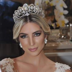 Princess Aesthetic, Tiaras And Crowns, Wedding Hairstyles, Jewerly, Dream Wedding, Hair Color, Marriage, Victoria, My Style