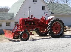 Photos and description of Farmall Everything you want to know about this car. Farmall Tractors, Old Tractors, International Tractors, International Harvester, Farmall Super C, Tractor Pictures, Antique Tractors, Down On The Farm, Cool Photos