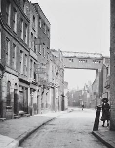 The Grapes public house, Narrow Street, Limehouse, London - Area where Jem and Will hunt the Shax demon and find Emma Bayliss. 1920 London, Victorian London, Vintage London, Old London, London Pubs, London Pictures, London Photos, East End London, London Street