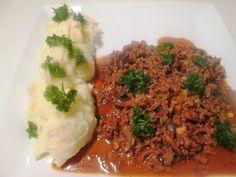 Bøf Stroganoff smager fantastisk, men det kan godt blive lidt dyrt at spise oksesteak alt for tit. Derfor er her en billigere og su...