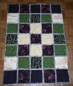 My easy tutorial shows you how to make rag quilts. Once you learn rag quilt basics, you'll know how turn other quilt patterns into these comfy quilts.: How to Make a Rag Quilt with Cotton Batting Rag Quilt Patterns, Beginner Quilt Patterns, Quilting For Beginners, Quilt Tutorials, Beginner Quilting, Block Patterns, Sewing Patterns, Lap Quilt Size, Quilt Sizes