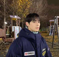 Cute Asian Guys, Cute Korean, Korean Men, Korean Actors, Asian Boys, Beautiful Boys, Pretty Boys, Cute Boys, Suho