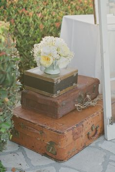 """Always love some stacked suitcases from Found Vintage Rentals #theweddingpicker (check out other wedding accessories at """"theweddingpicker"""" Etsy shop!)"""