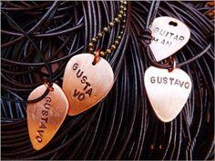LaVita Music Gifts: PÚAS PERSONALIZADAS EN METAL