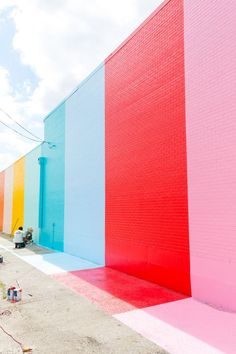 Sugar & Cloth Color Wall in Houston (+ video)! The Sugar and Cloth color wall in Houston, Texas !The Sugar and Cloth color wall in Houston, Texas ! Public Art, Wall Colors, Color Walls, Wall Murals, Color Inspiration, Color Blocking, Colour Block, Color Schemes, Street Art