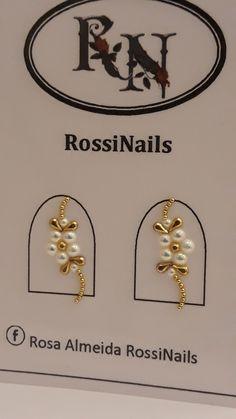 Unhas 😍 Diamond Nail Designs, Black Nail Designs, Diamond Nails, Nail Jewels, Nail Art Rhinestones, Cute Toe Nails, Toe Nail Art, Gem Nails, Bling Nails