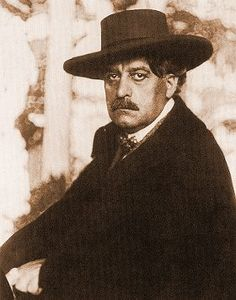 József Rippl-Rónai May 1861 – 25 November was a Hungarian painter. He first introduced modern artistic movements in the Hungarian art. Art Nouveau, Victorian Life, Heart Of Europe, Fauvism, Post Impressionism, Hungary, Famous People, Monochrome, Modern Art