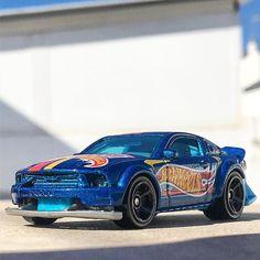 #felizviernes #2005fordmustang #hwraceteam #hwraceteam2017 #bluecar #hwgt #hwgt50  #hotwheels #diecastcar #diecast #hotwheelscollector #hotwheelsdaily #hotwheelspics #hotwheelsrepost #hotwheelsspain #diecastcars #diecastpics #miniaturas #cochecito #cartoys #hwc #ajrhw #wheels #diecastphoto #diecastphotography  #twitter #1_64 #164 #hotwheelsphotography #die_cast_loversb