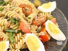 Salata Nicoise cu paste Nicoise, 30 Minute Meals, Tzatziki, Ceviche, Pasta Salad, Broccoli, Foodies, Good Food, Healthy Eating