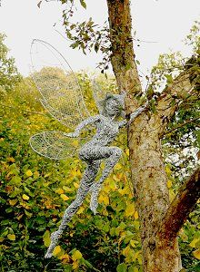 Fantasy Wire Fairies Sculptures. Step by step instructions. Hard work, but aren't they wonderful?