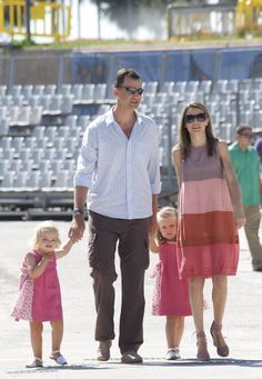 Princess Letizia - Prince Felipe & Princess Letizia Photocall In Mallorca