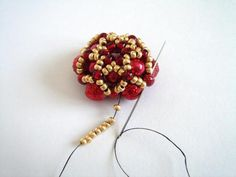 Marina Shamshura | VK Diy Christmas Earrings, Christmas Diy, Beading Tutorials, Diy Earrings, Rosettes, Beaded Jewelry, Mandala, Projects To Try, Pearls