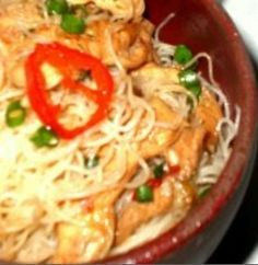 Arroz Tailandês com Atum e Crocante de Amêndoas