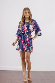 $20.00 Navy Floral Print Bridesmaid Satin Robe Beautiful Red Hair, Beautiful Hijab, Beautiful Legs, Sexy Outfits, Cute Outfits, Fashion Outfits, Bridal Party Robes, Barefoot Girls, Bridesmaid Robes